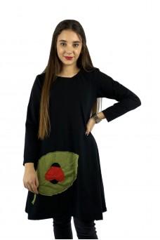 Φόρεμα πασχαλίτσα πάνω σε φύλλο