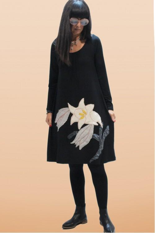 Φόρεμα με απλικέ παράσταση κρίνο