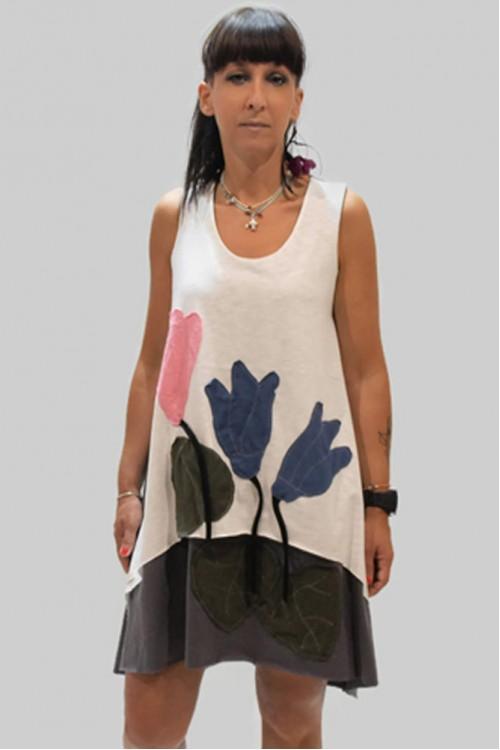 Φόρεμα με απλικέ παράσταση κυκλάμινα